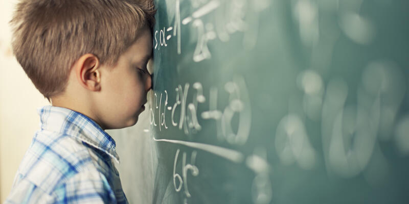 Disleksi tanısı için 7 yaş çok geçtir.
